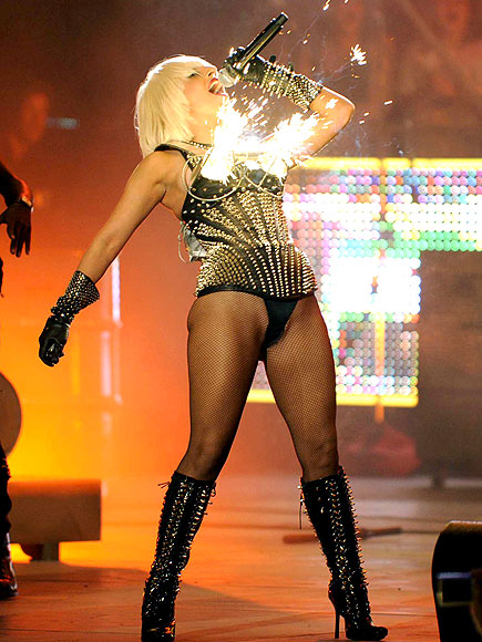 Lady Gaga : SEXY SPARKLERS