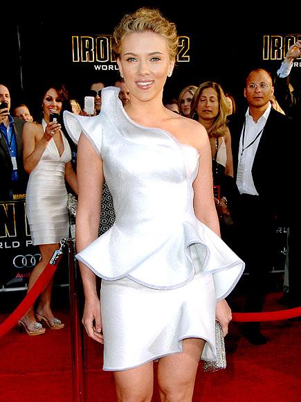 Scarlett Johansson flaunts her famous curves