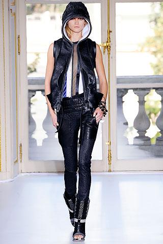 Balenciaga Spring 2010 Ready-to-Wear Collection
